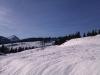 sonnige, verschneite Winterlandschaft